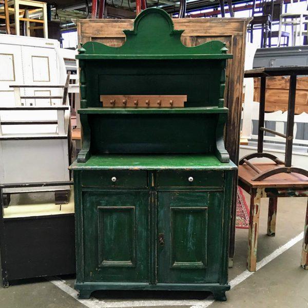 Groene houten buffetkast