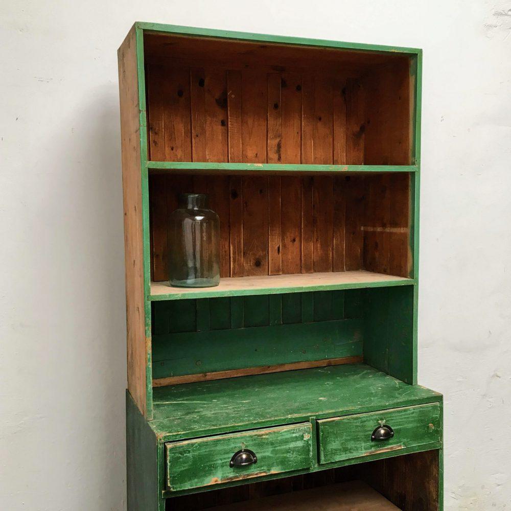 Kast hout groen