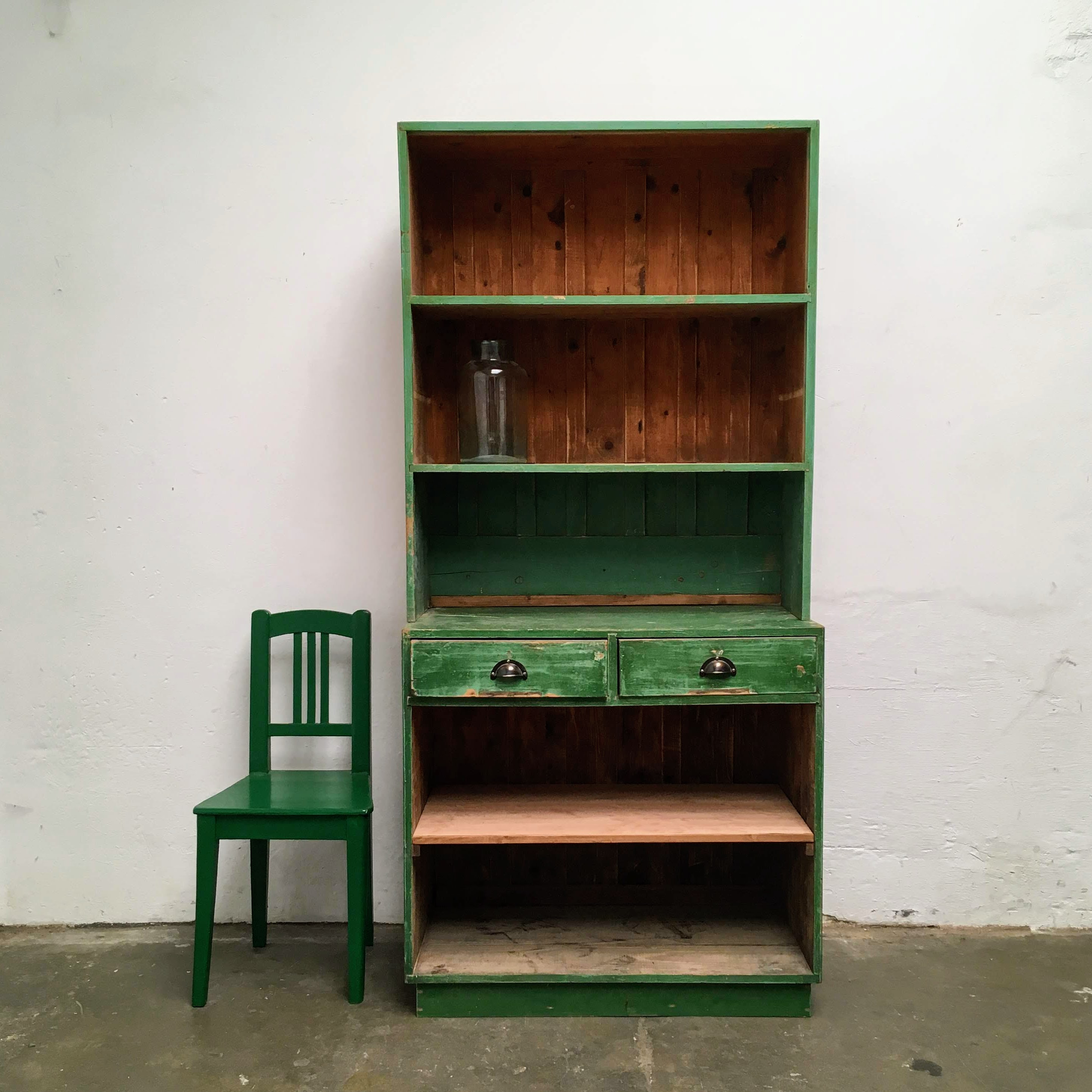 Houten Industriele Kast.Groene Winkelkast Van Dijk En Ko