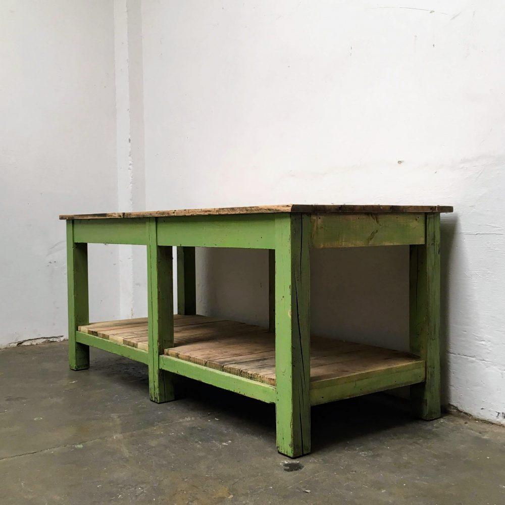Knal groene industriële werktafel