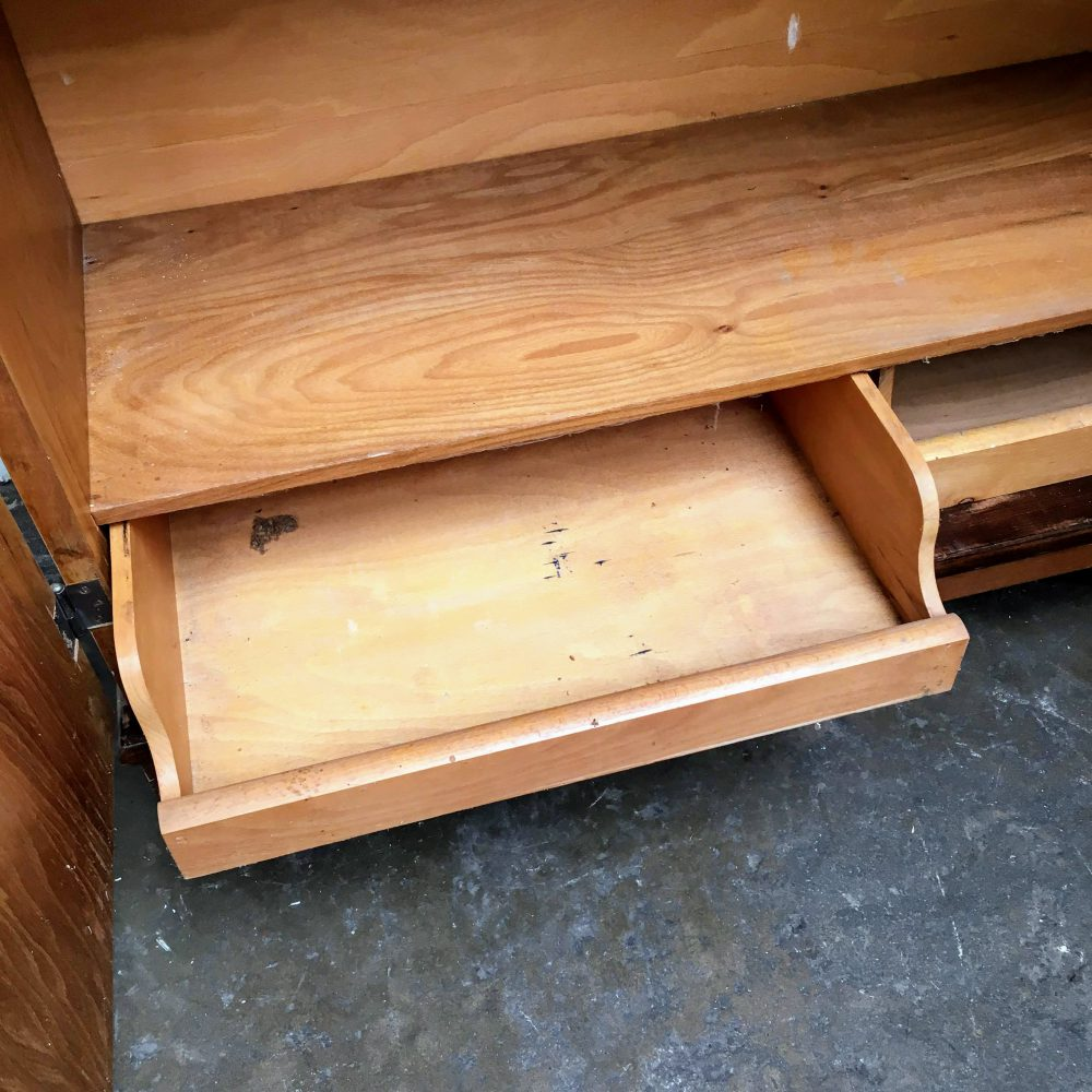 Kast bruin hout