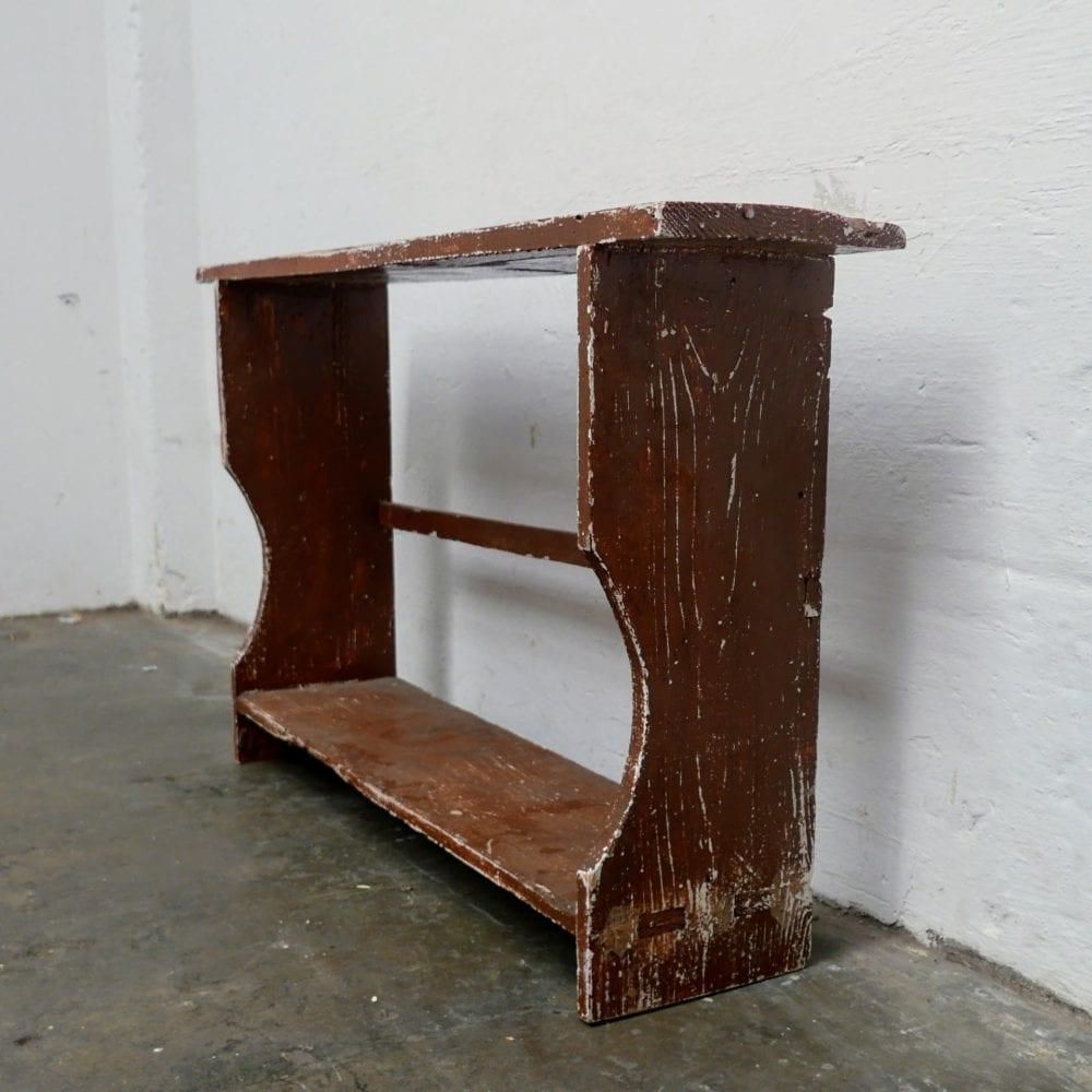 Bruine smalle houten bank