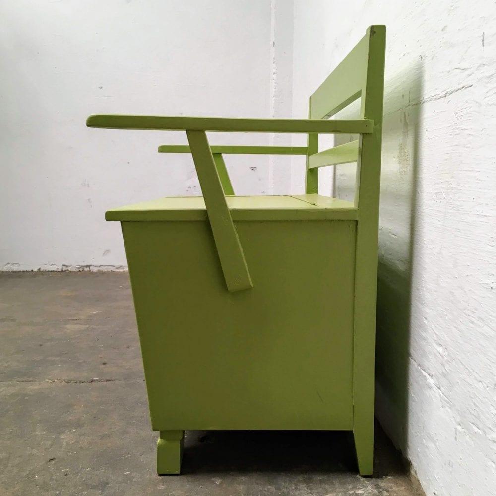 Groen houten klepbankje vorm zijkant