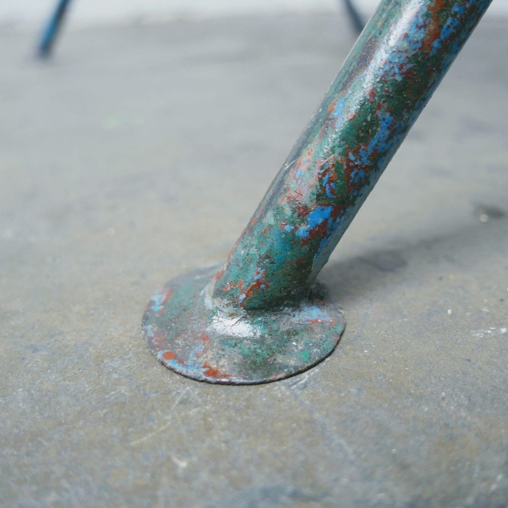 Metalen kruispoot tafel