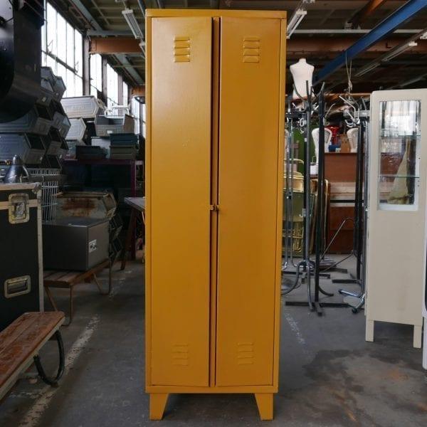 Gele lockers