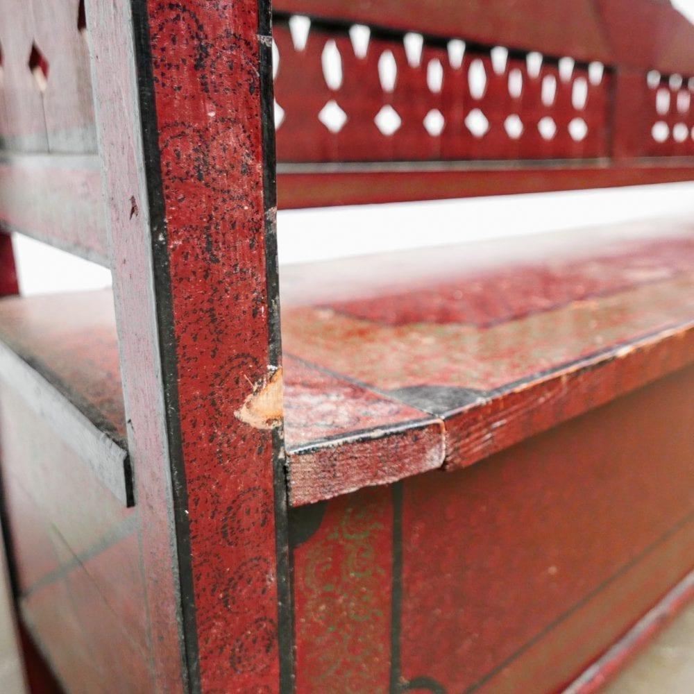 Hongaarse houten roodbruine kistbank