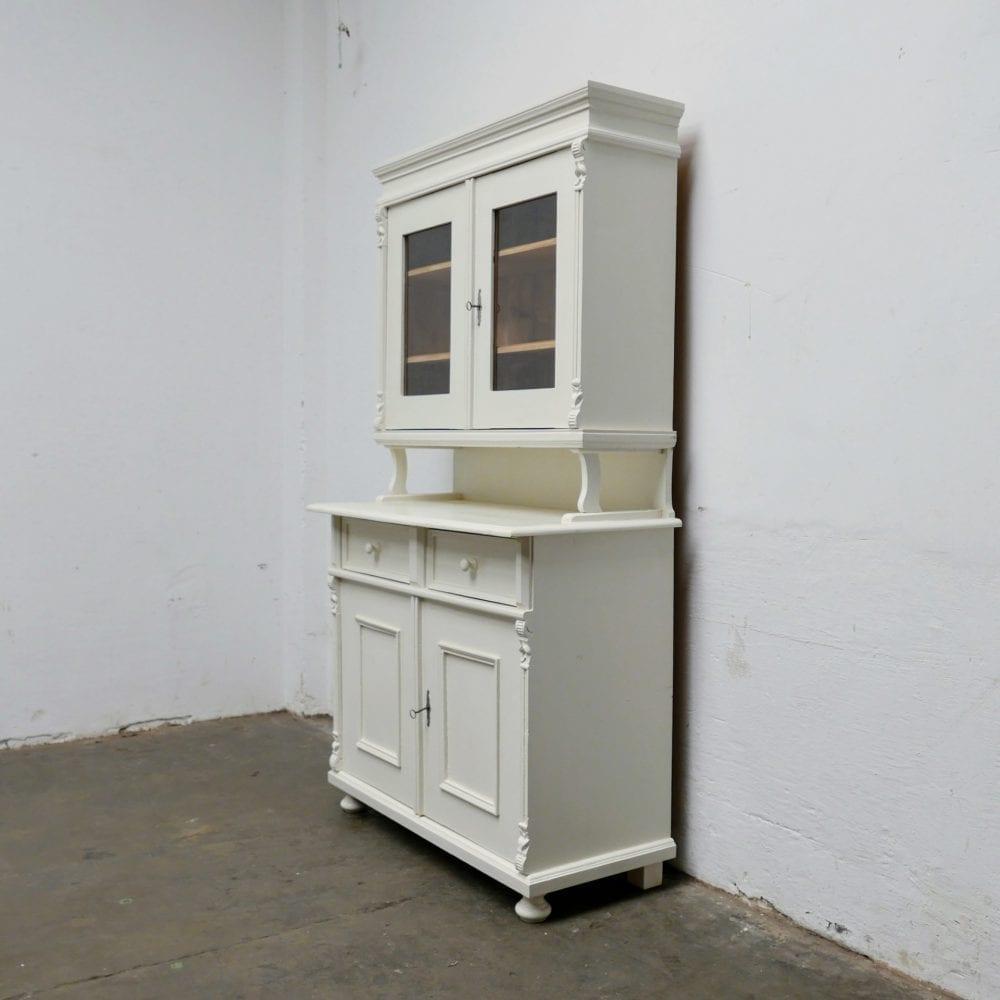 Witte houten buffetkast