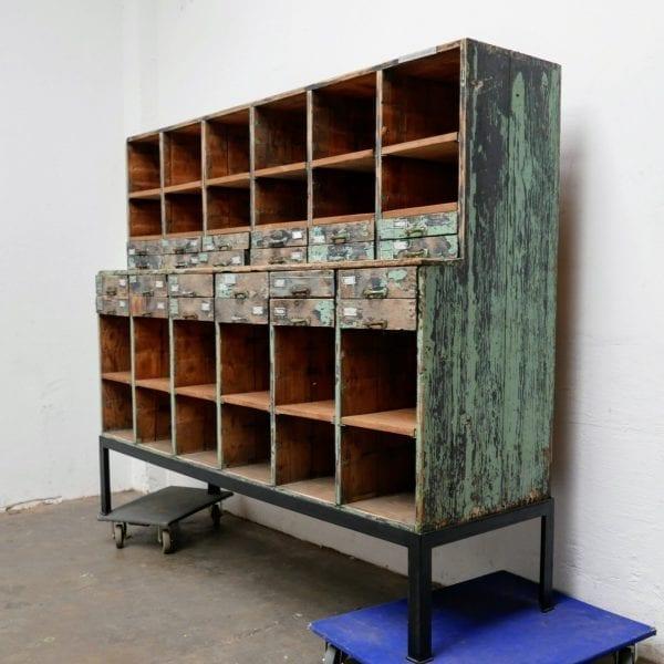 Industriële houten ladekast