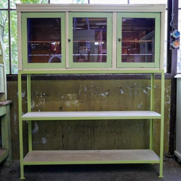Groene industriële metaal houten kast