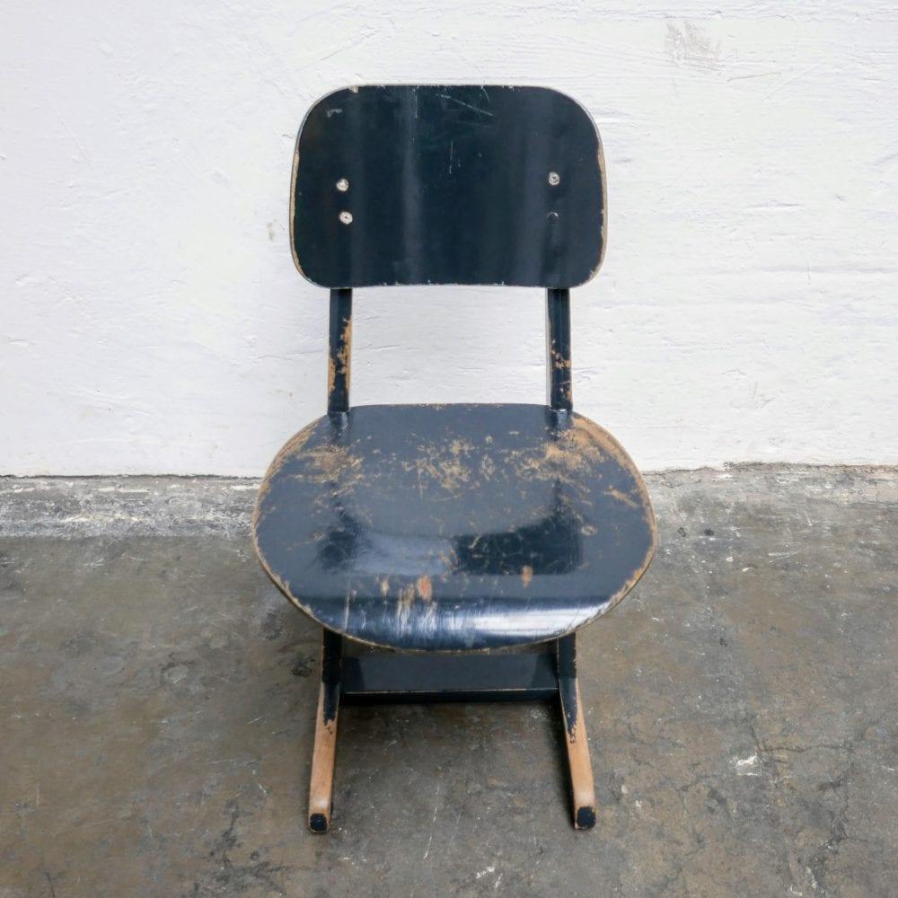 Houten zwarte school stoel kinderstoel
