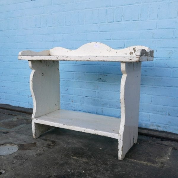 Wit houten rek