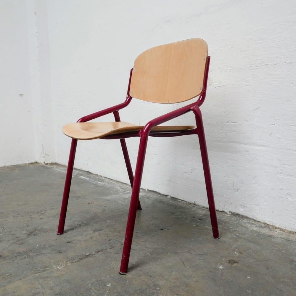 Metalen rode stoel