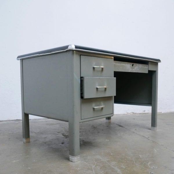 Industrieel vintage bureau