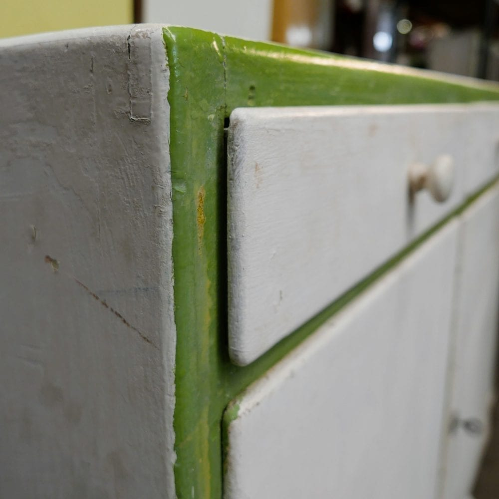 Wit-groen kastje