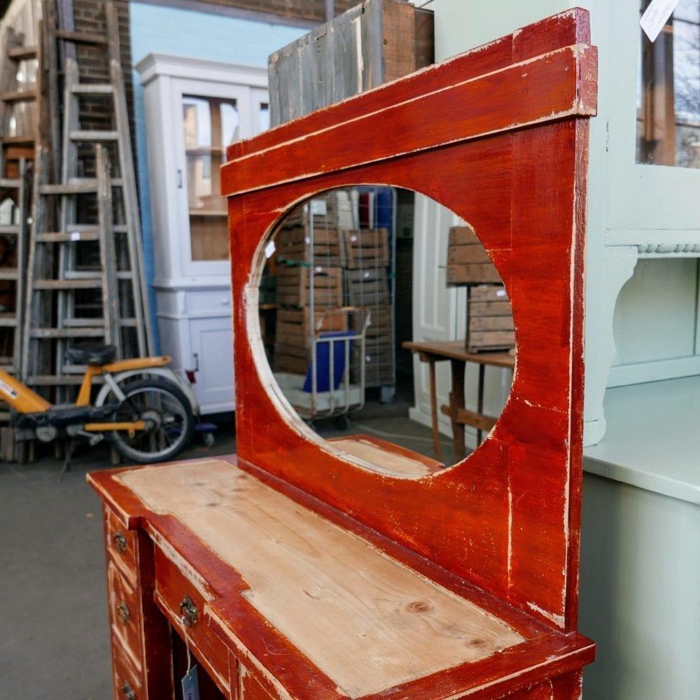 Bruine houten kaptafel