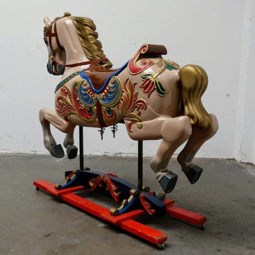 Carrousel of draaimolen Paard