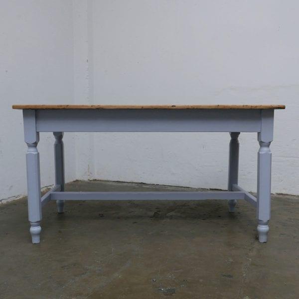 Houten blauwe tafel