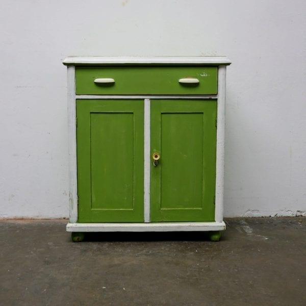 Wit-groene houten onderkast of commode
