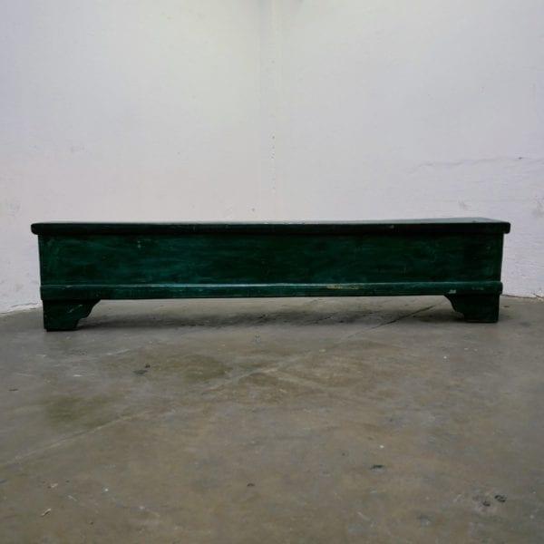 Groene houten kistbank