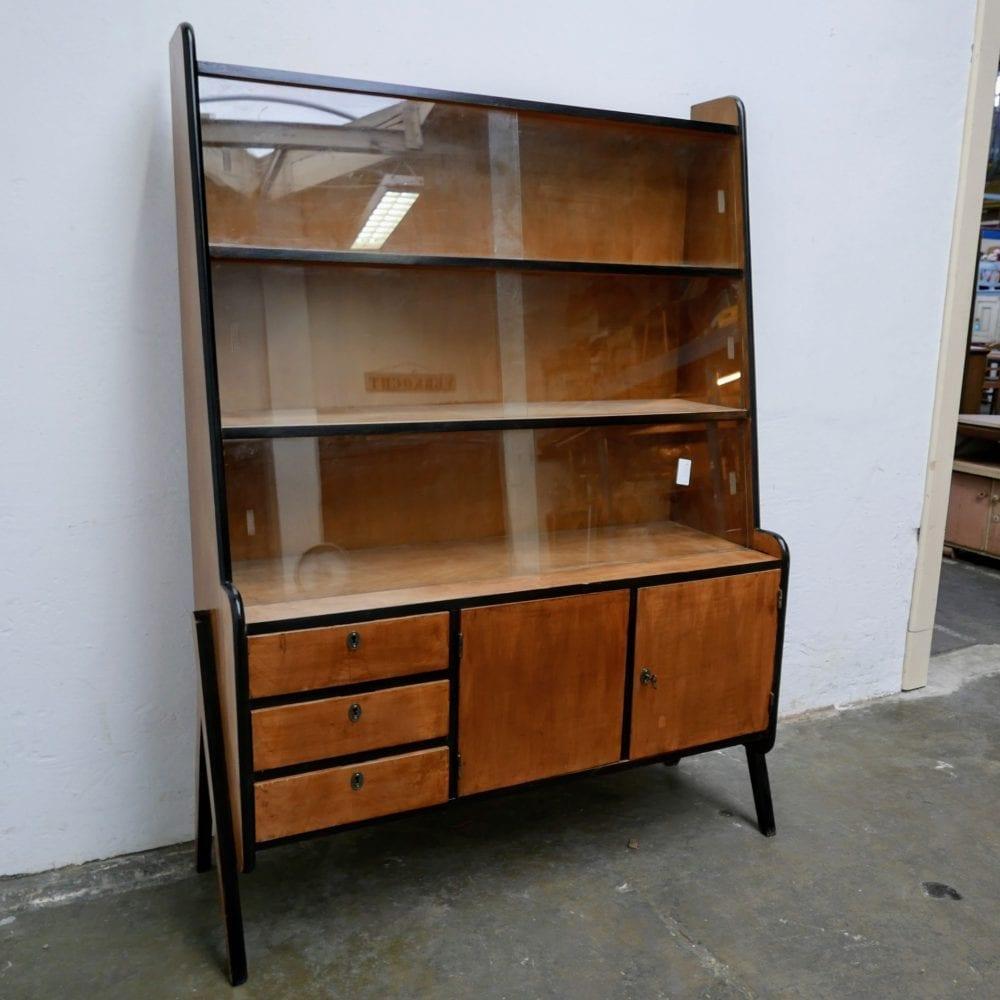 Retro houten vitrinekast