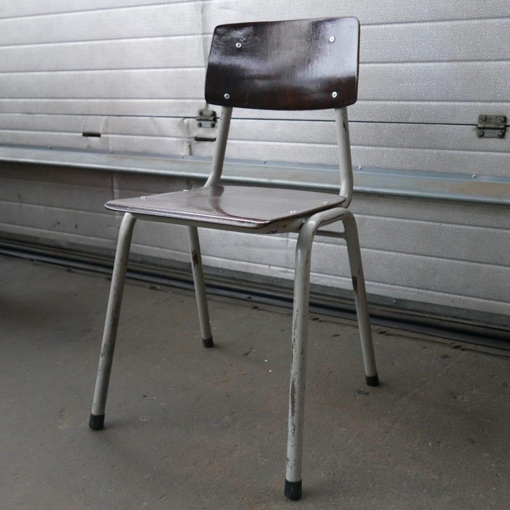 Schoolstoel grijs metalen poot