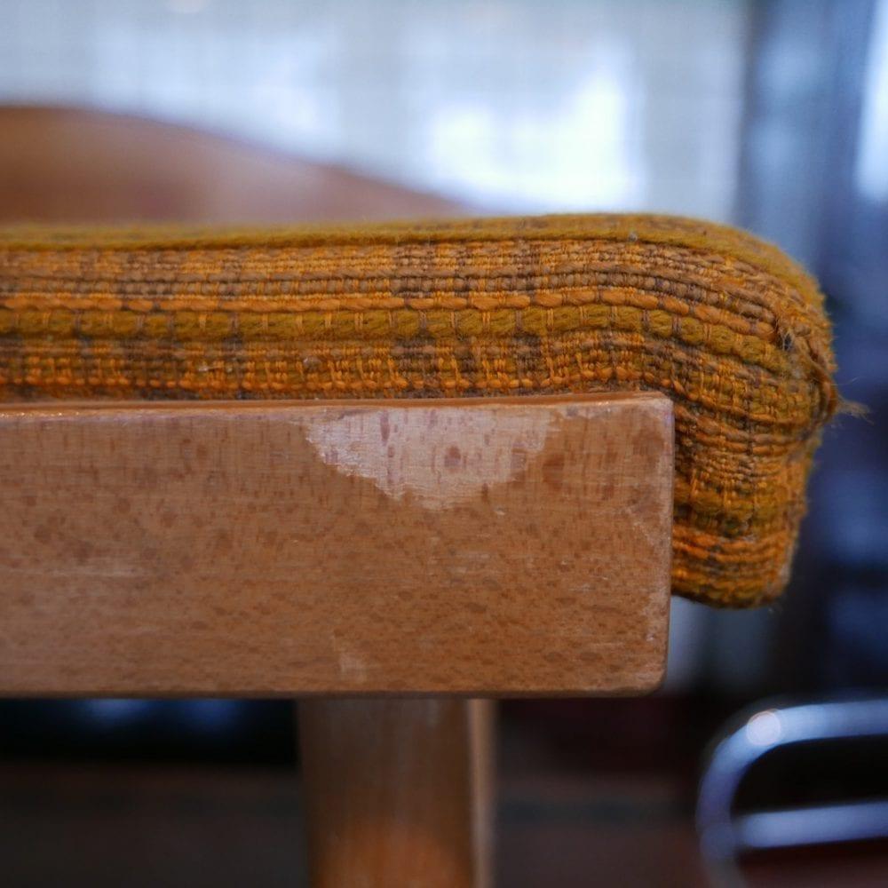 Retro houten stoelen