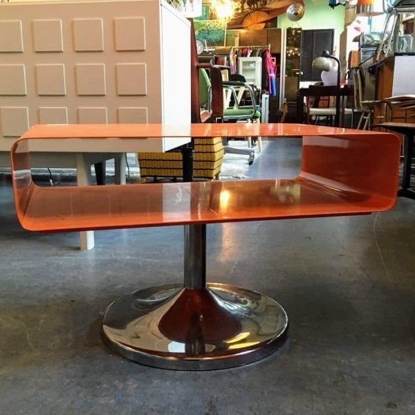 Oranje retro tafeltje
