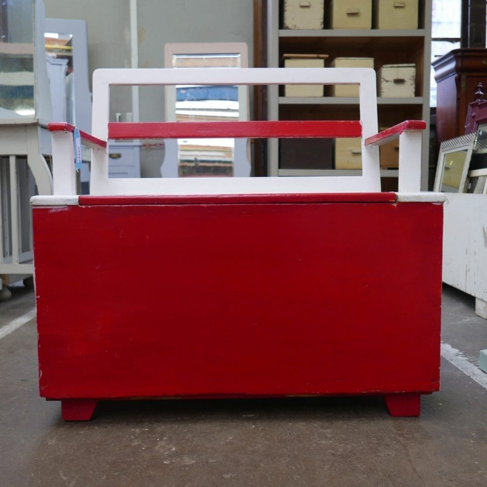 Rood-witte kinderbank