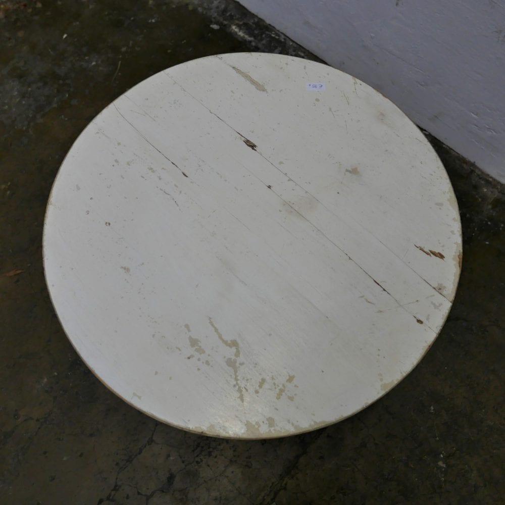 Rond wit tafeltje