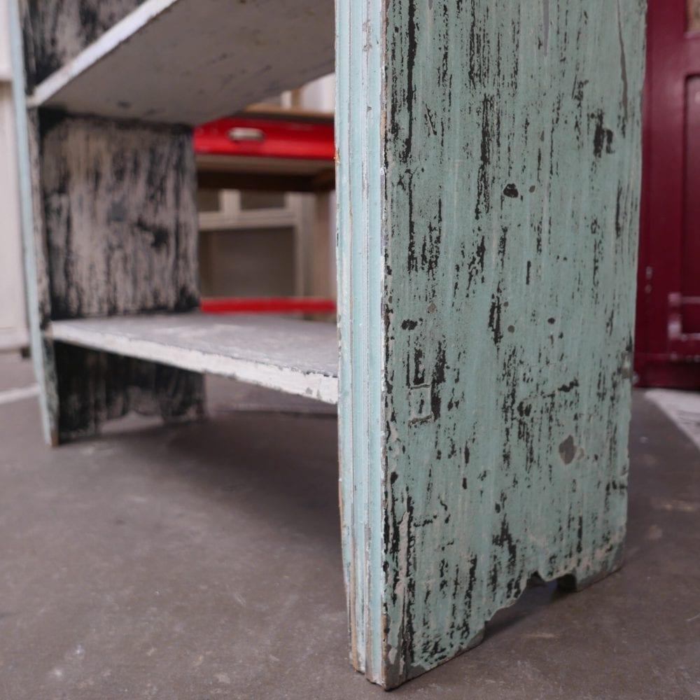 Mint-bruine boekenkast