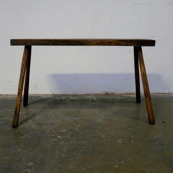 Smalle houten tafel