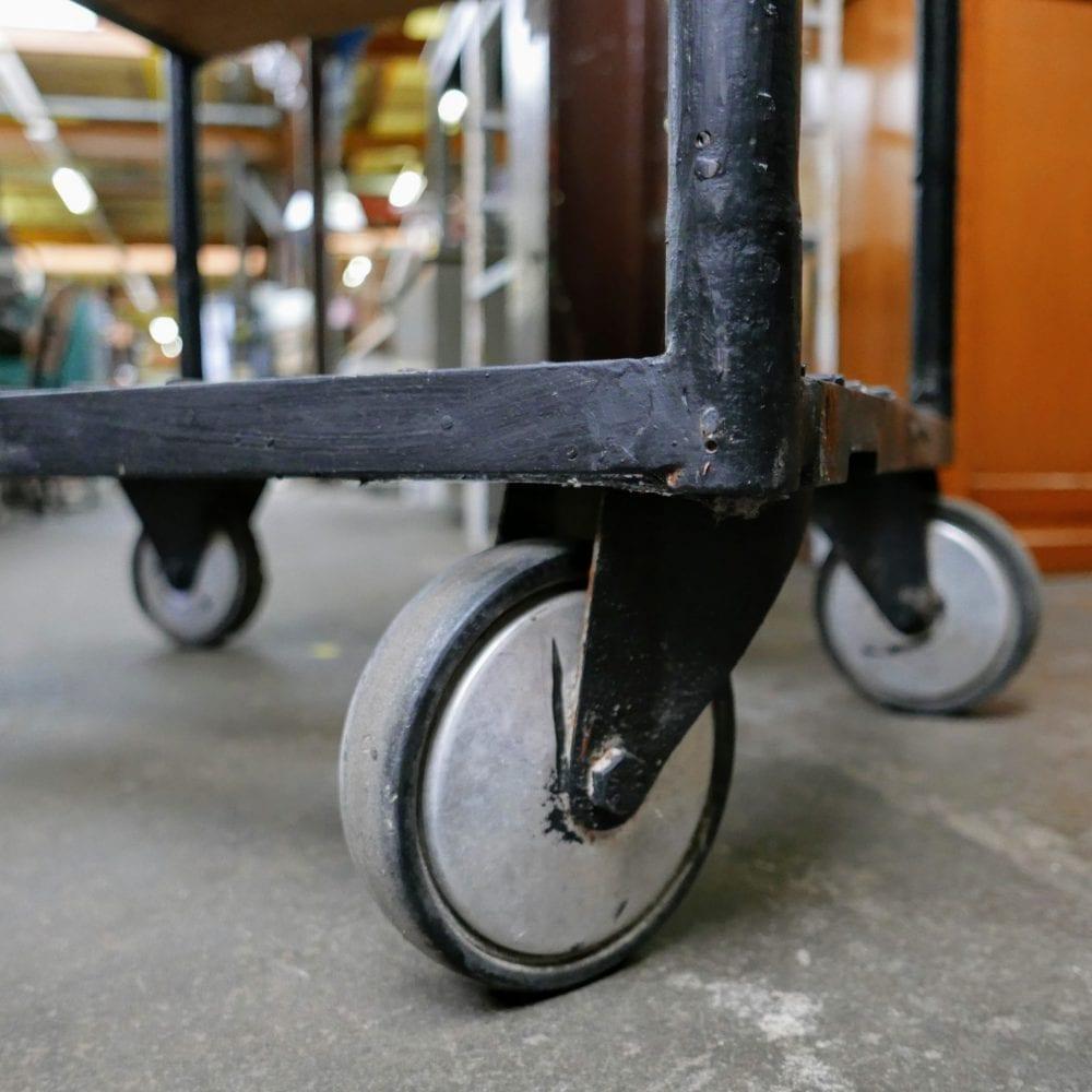 metalen stellingskast op wielen