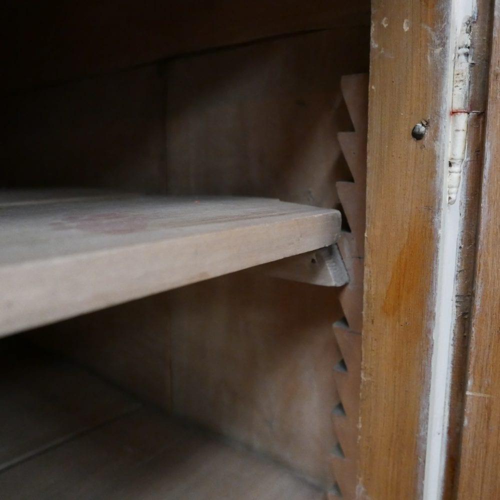 wit-bruin dressoir