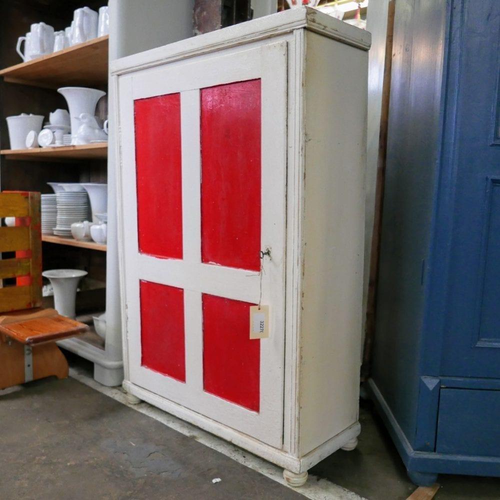 wit-rode linnenkast