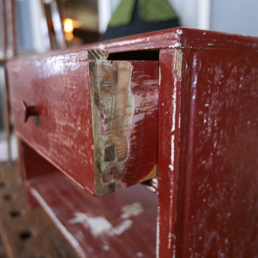 roodbruin open kastje met lades