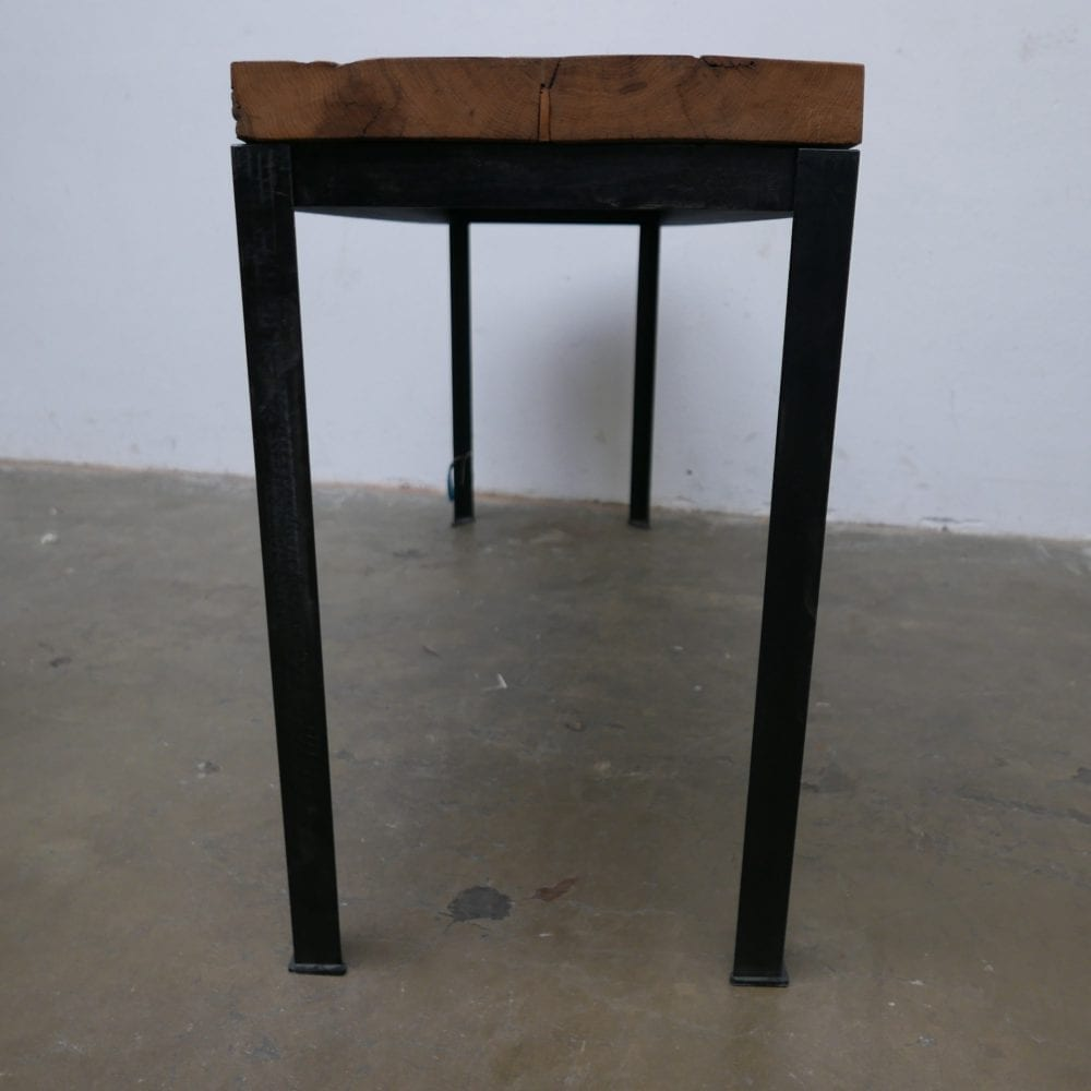 Industriële tafel met dik blad
