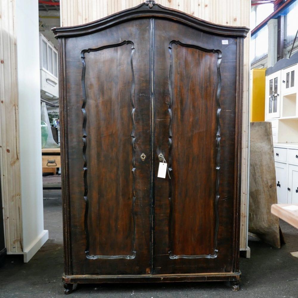 houten linnenkast