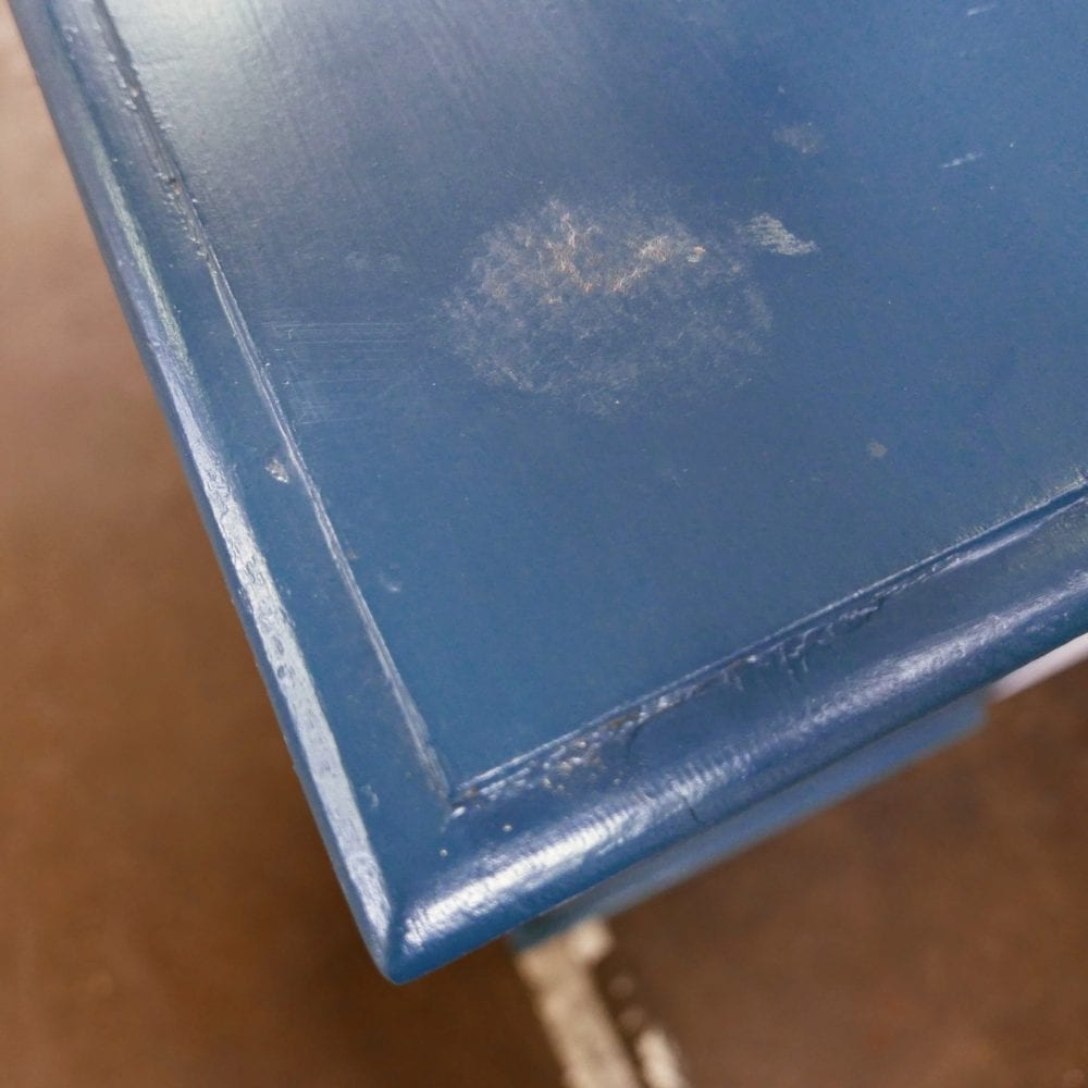 blauwe ladekast of commode