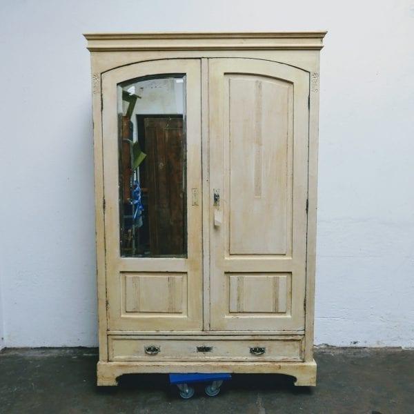 crème houten spiegelkast