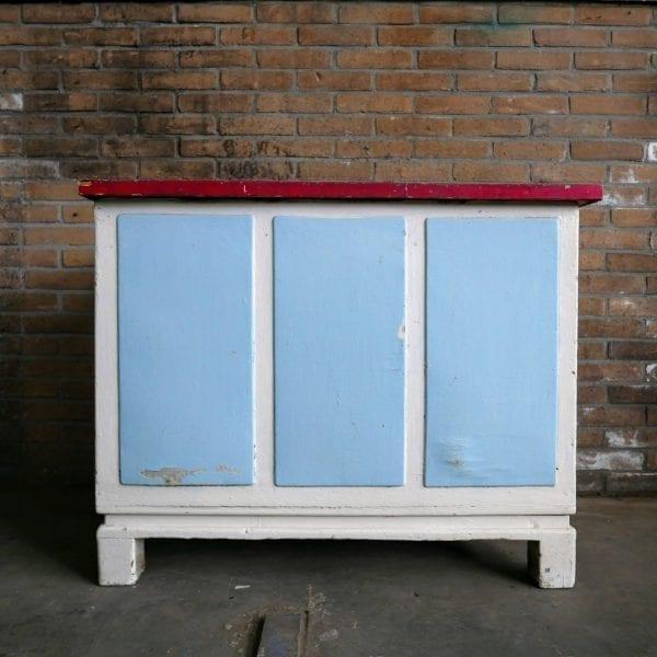 Blauw-witte kist
