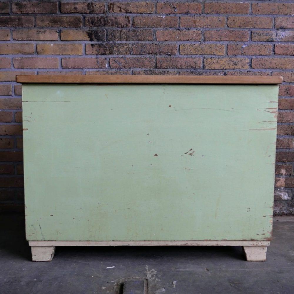 Lichtgroene houten kist