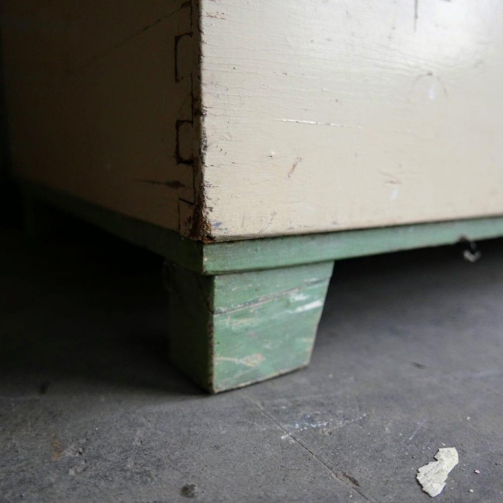 Crème-groene kist