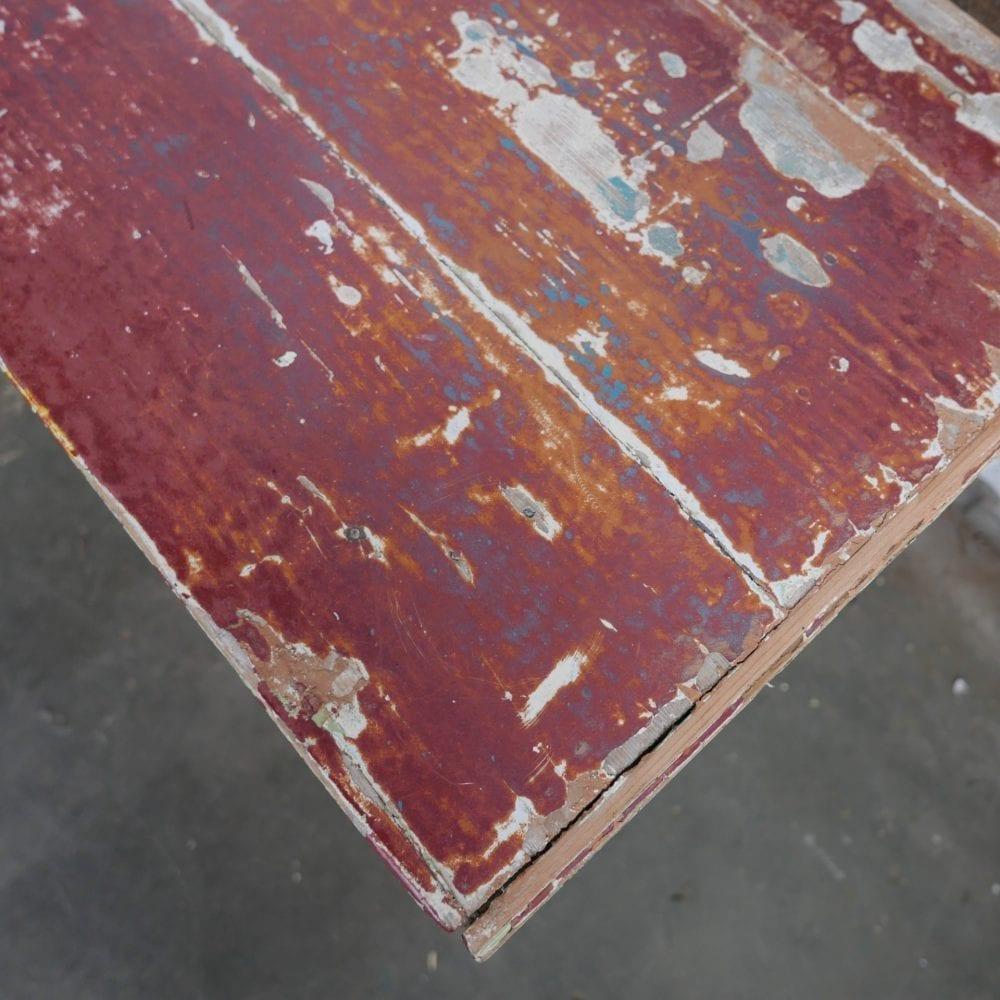 Vrolijk gekleurde kist