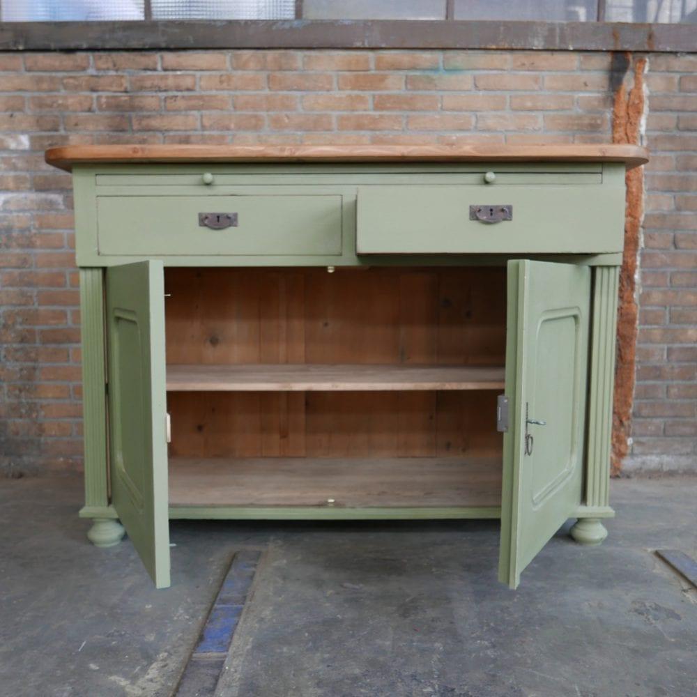 Groene keukenkast