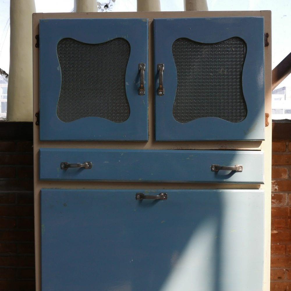 retro blauwe keukenkast