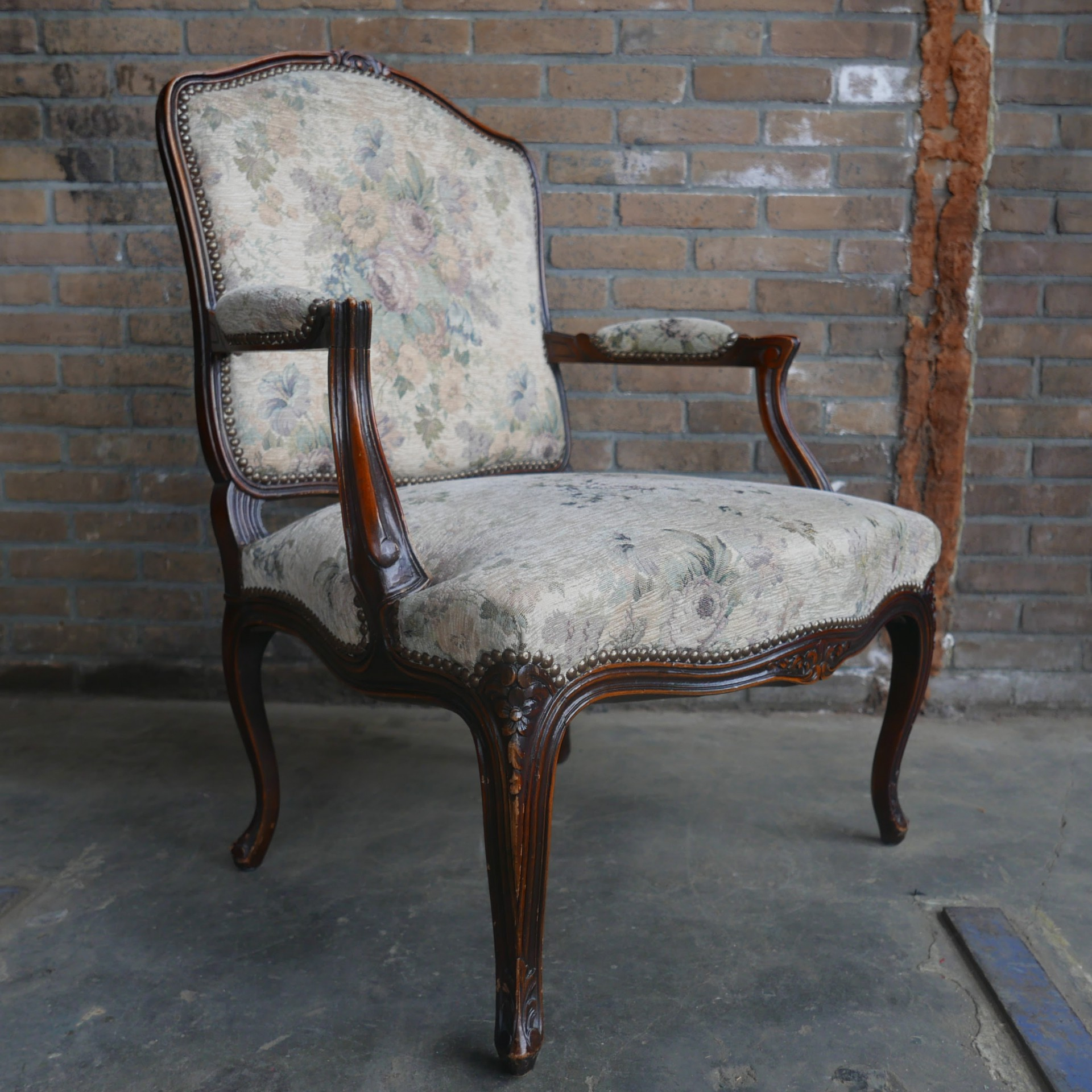 Twee Klassieke Fauteuils.Vintage Louis Xv Fauteuil Van Dijk En Ko