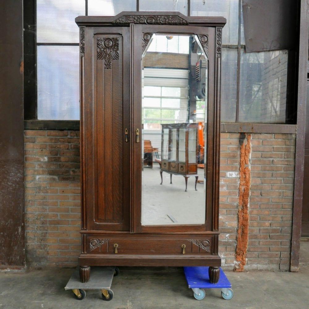 Houten spiegelkast
