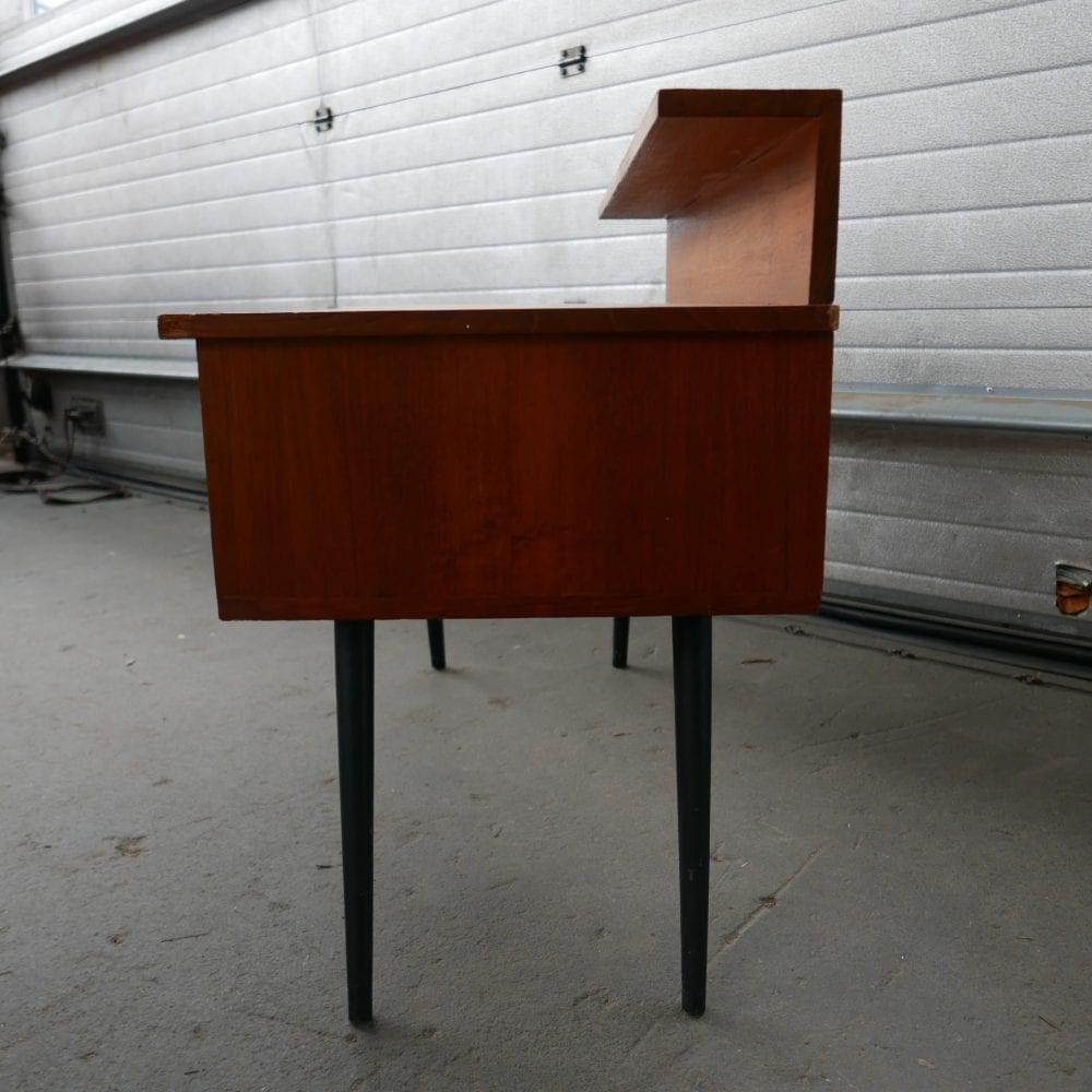 Retro vintage kinder bureau