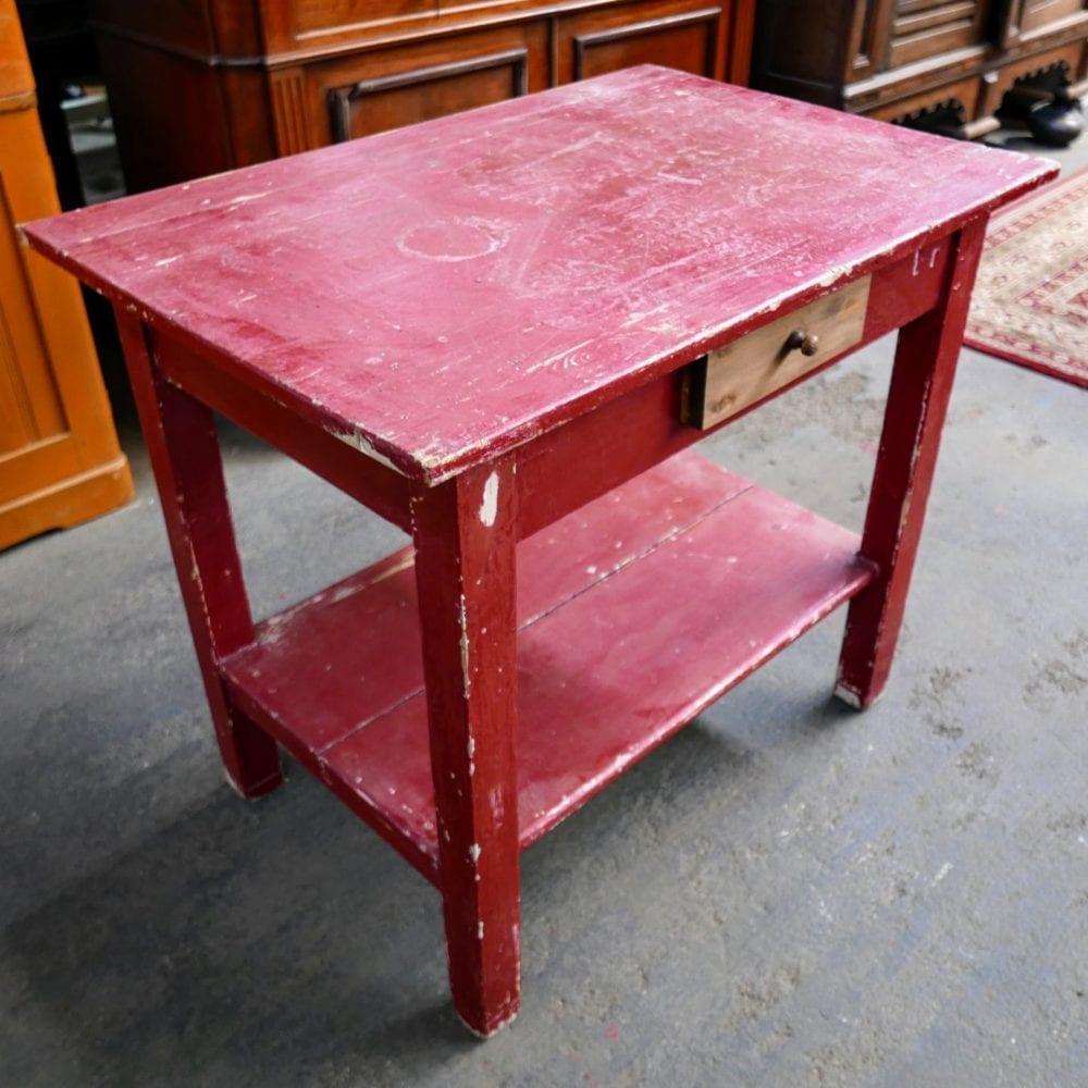 Rode tafel met onderblad