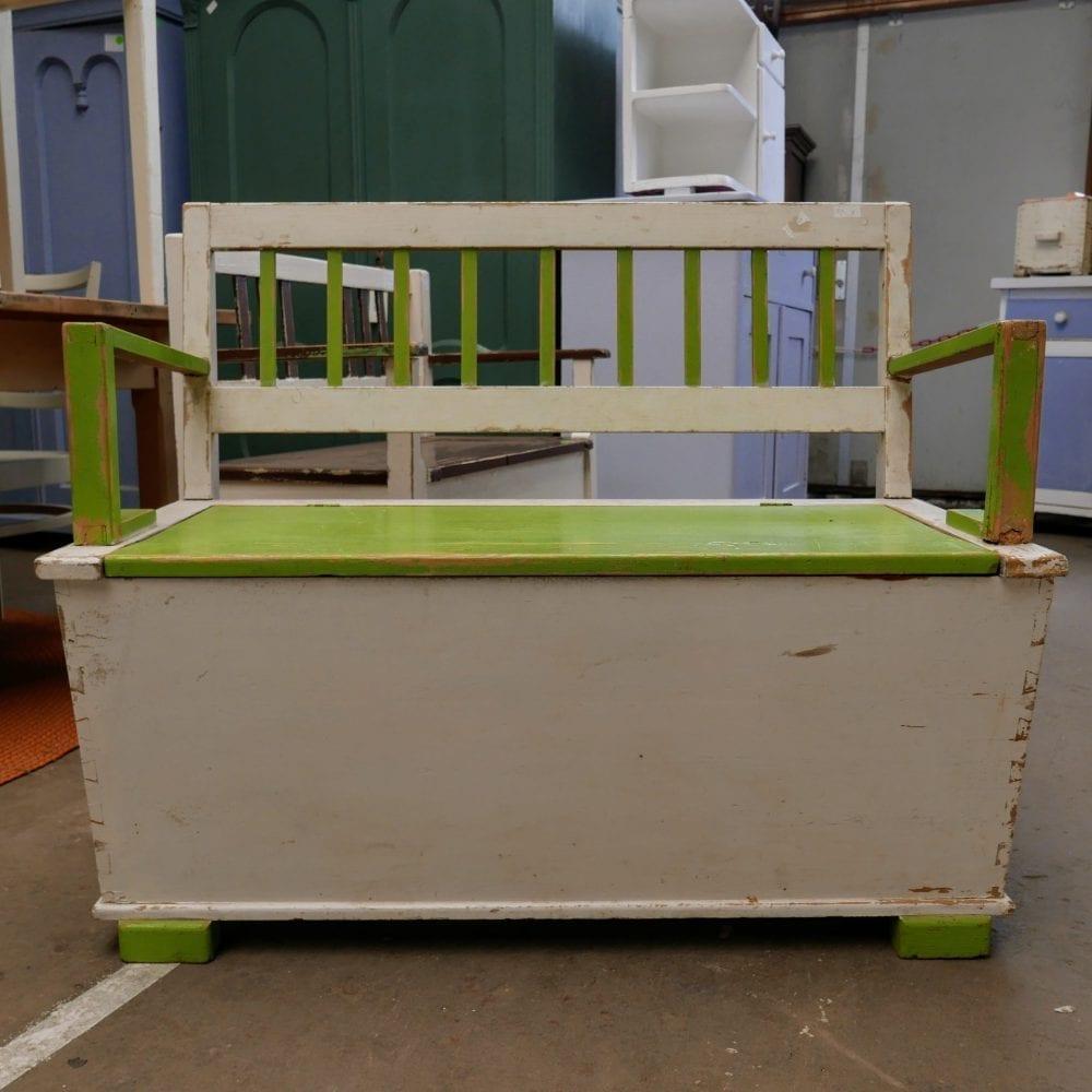 Wit-groene kinderbank